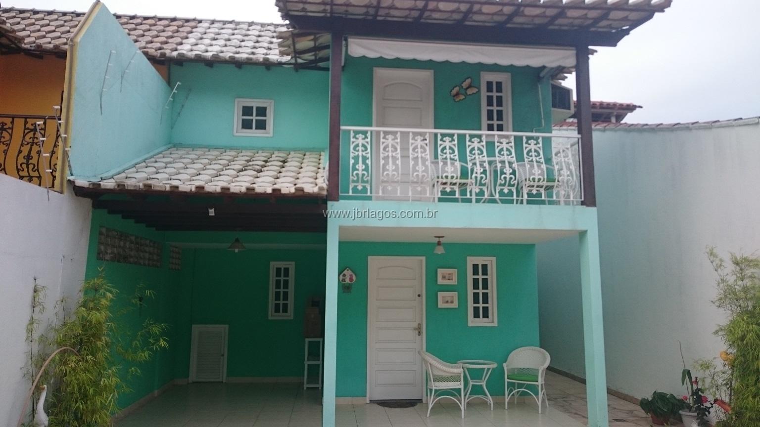 Casa independente em ótima localização, no caminho da Praia, perto do comercio e condução