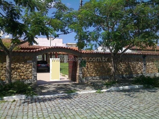 Casa linear próxima ao Shopping com total de 720 m² e área de lazer