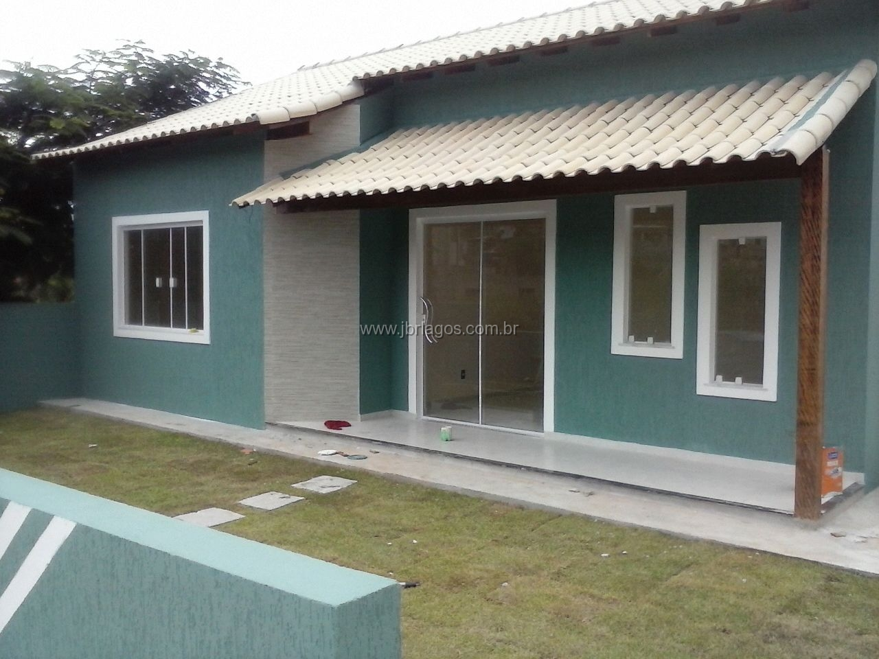 linda casa 1º locação em terreno de 262 m²