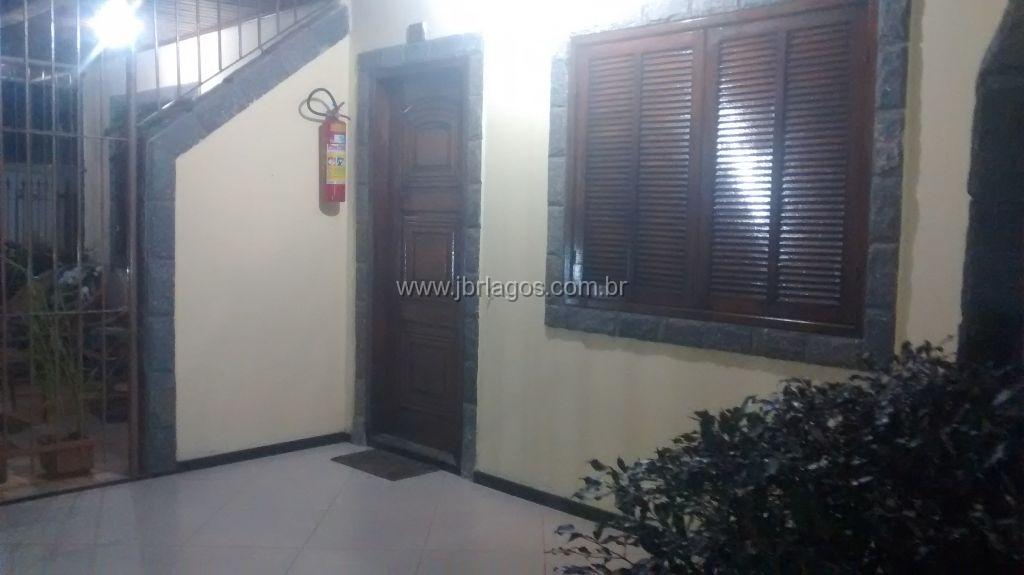 Casa duplex em condomínio em bairro nobre, 5 minutos do Centro, perto de comércio e condução