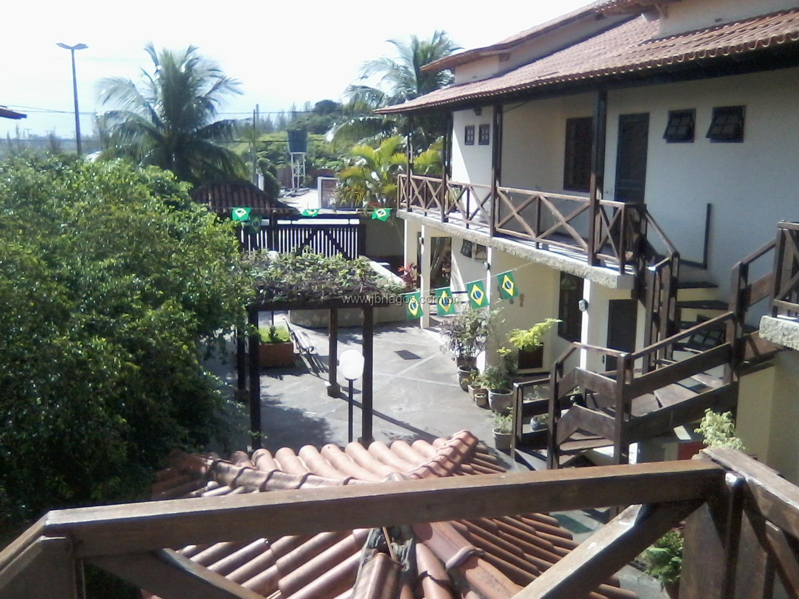 Casa em condomínio recém reformada a 150m da Praia Grande