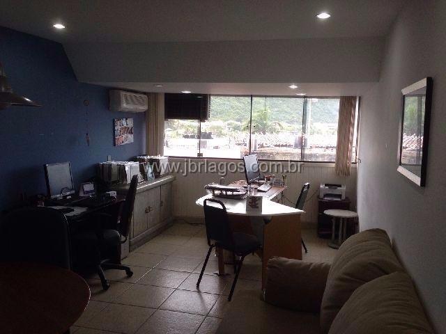 Apartamento com ótima localização no coração de Cabo Frio