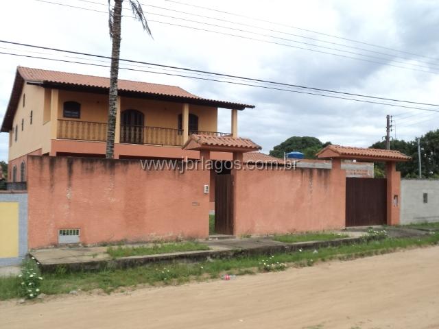 Casa independente a 200 m da Lagoa de Araruama, em terreno de 1030 m²