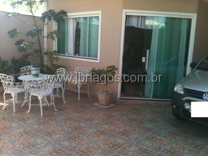 Ampla casa independente, apenas 300 m do shopping Park Lagos, perto de amplo comercio e condução