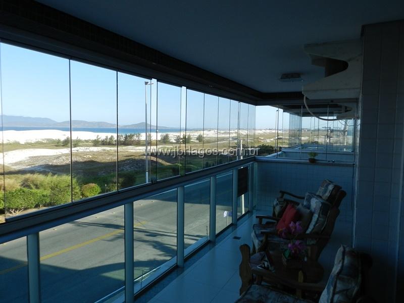 Luxuosa cobertura com cinematográfica vista mar, ampla e com moveis planejados