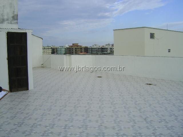 Apartamento tipo cobertura com direito a ampliação perto a Praia do Forte