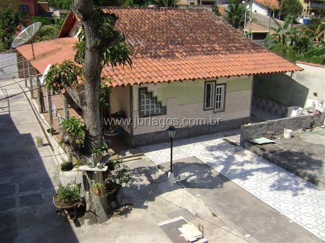 Casa independente linear em terreno de 500 m²