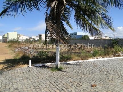 Terreno em localização privilegiada para uso residencial ou comercial