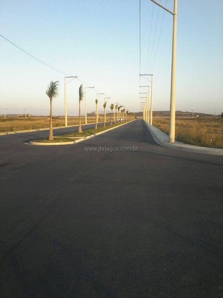 Excelentes terrenos em área de maior expansão e valorização comercial, perto do Centro, Praias e Lagoas da região