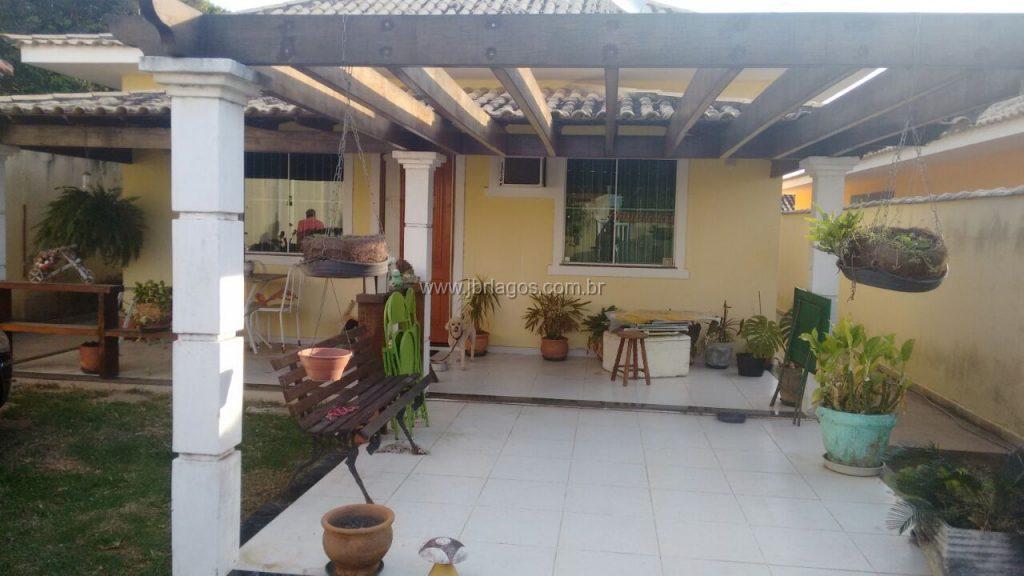 Casa independente com área gourmet e piscina, terreno de 651 m²