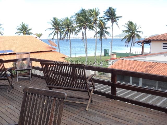 Casa ampla com deck com deslumbrante vista para Lagoa