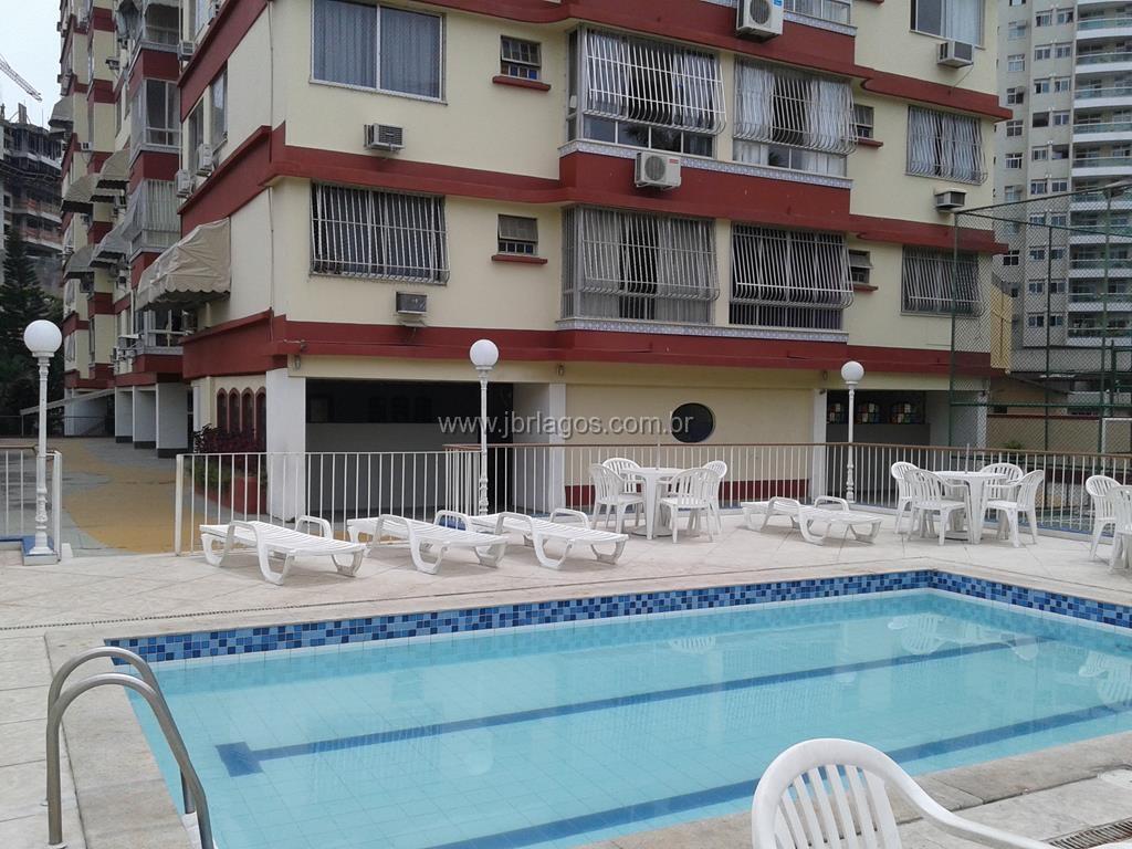 Ampla cobertura com piscina e área gourmet em prédio com total infraestrutura