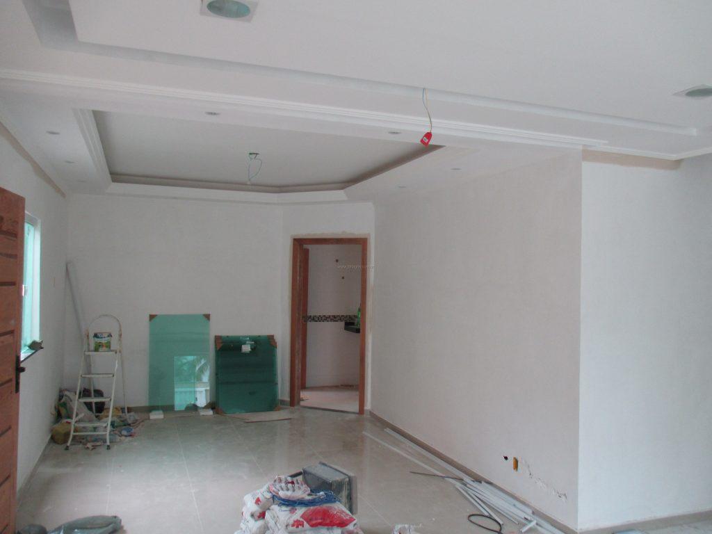 Linda casa independente de 1º locação com fino acabamento em ótima localização
