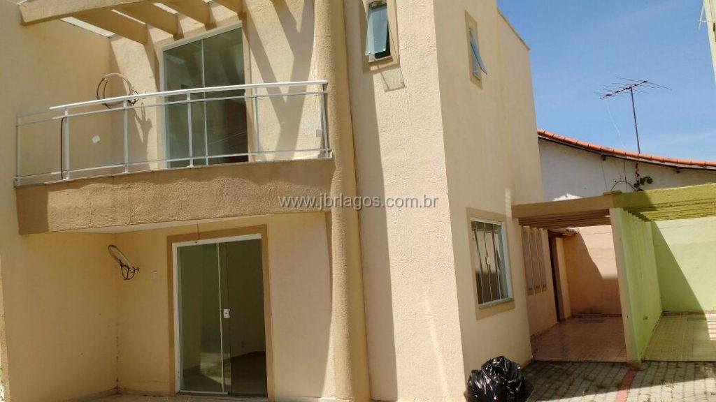 Casa de 1º locação em condomínio em ótima localização, perto do Shopping, comércio e condução