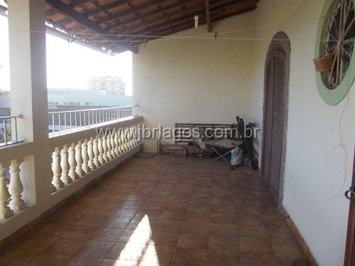 Ampla casa na segurança de um condomínio, ótima localização, caminho da Praia e Centro de Cabo Frio