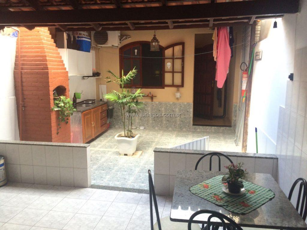 Casa independente com anexo nos fundos, área gourmet, próximo ao comércio e Shopping Park Lagos