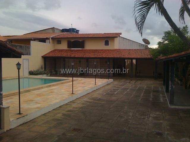 Ampla casa independente, com área de lazer, em bairro nobre, próximo do Shopping, Canal e Centro de Cabo Frio