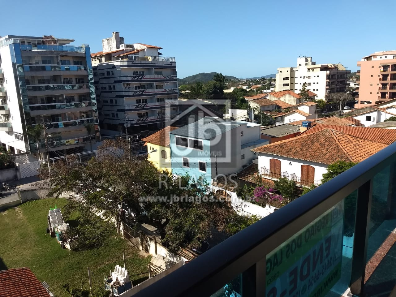 Apartamento em bairro nobre, amplo, perto da Praia, variado comércio, em bairro nobre e de grande valorização