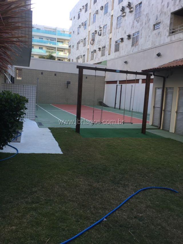 Amplo apartamento frontal, a pé para a Praia do Forte, ao lado do Teatro e Praça da Cidadania, em prédio c/total infraestrutura
