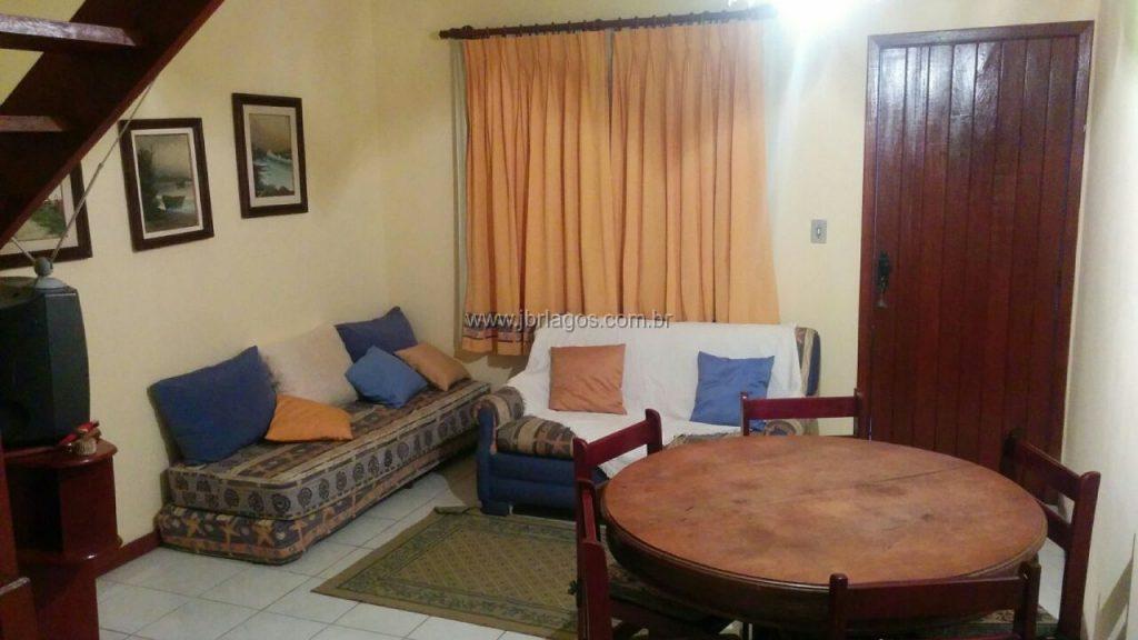 Casa mobiliada na segurança de um condomínio, a pé para o Shopping, perto de variado comércio e Lagoa das Palmeiras