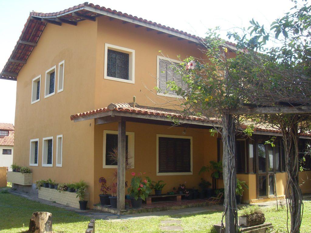 Linda casa tipo pousada, frontal com vista espetacular da Praia dos Amores, ampla com 630 m², para comércio ou residência