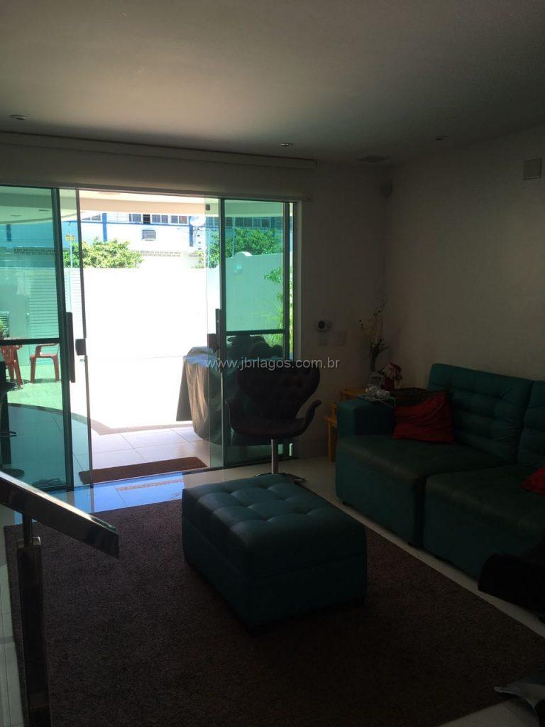 Luxuosa casa independente em bairro nobre, móveis planejados, perto do Shopping, Canal e Centro de Cabo frio