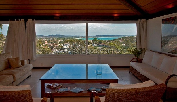 Luxuosa mansão em bairro nobre, ampla e independente, todos os cômodos com vista mar, com 1.200 m²