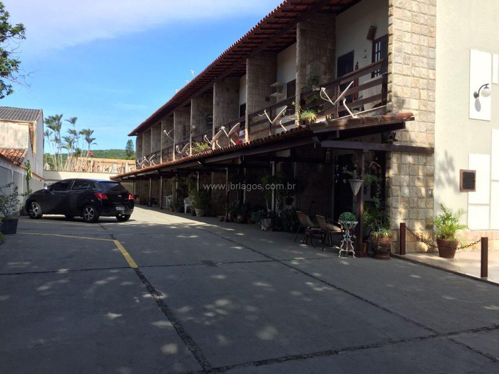 Ótima casa na segurança de um charmoso condomínio, bairro nobre ao lado do Centro e grande área comercial