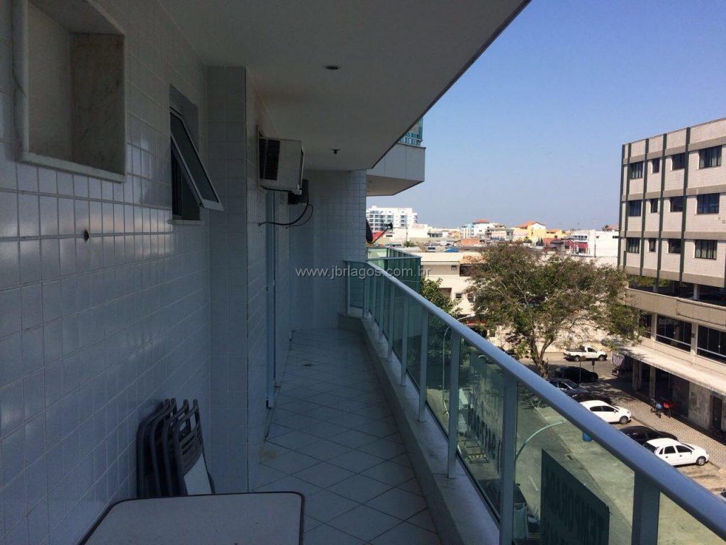 Lindo apartamento frontal, varandão, perto de amplo comércio, Praia, Centro e Padaria Remmar