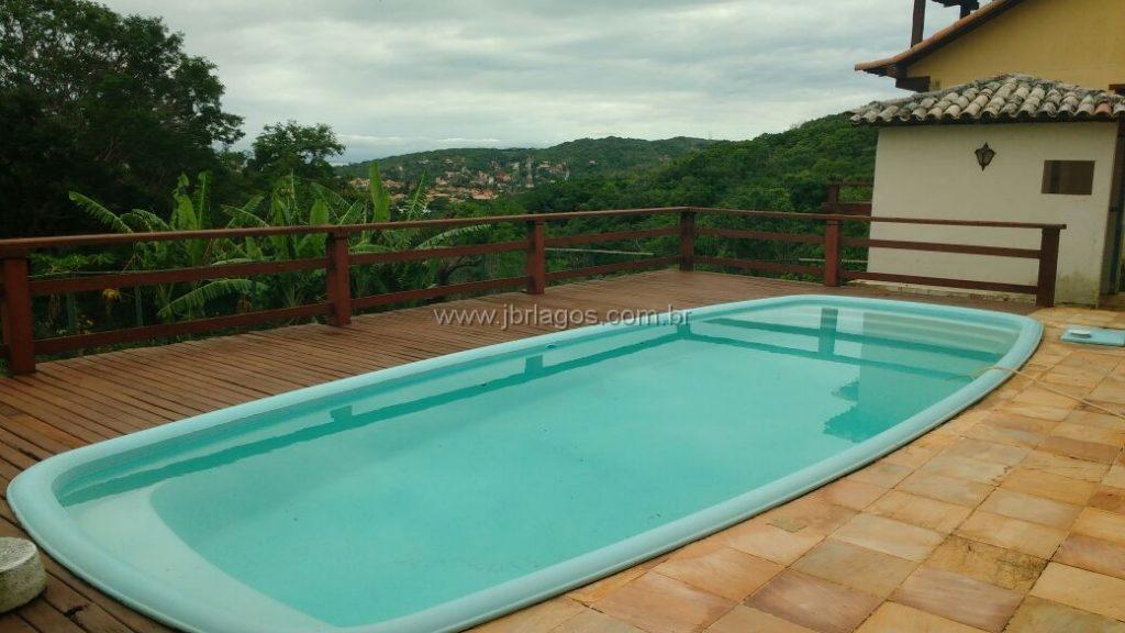 Ampla casa independente perto da praia da Ferradurinha, linda vista, área de lazer, terreno 738 m²