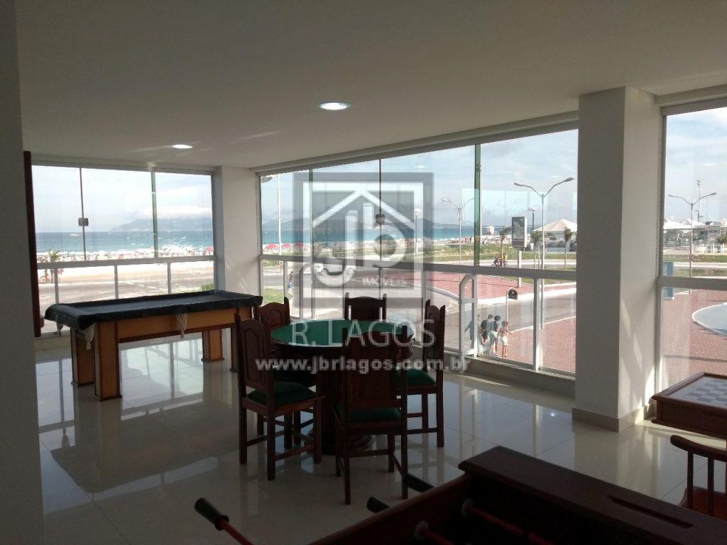 Luxuoso apartamento frontal a Praia do Forte e com deslumbrante vista Mar