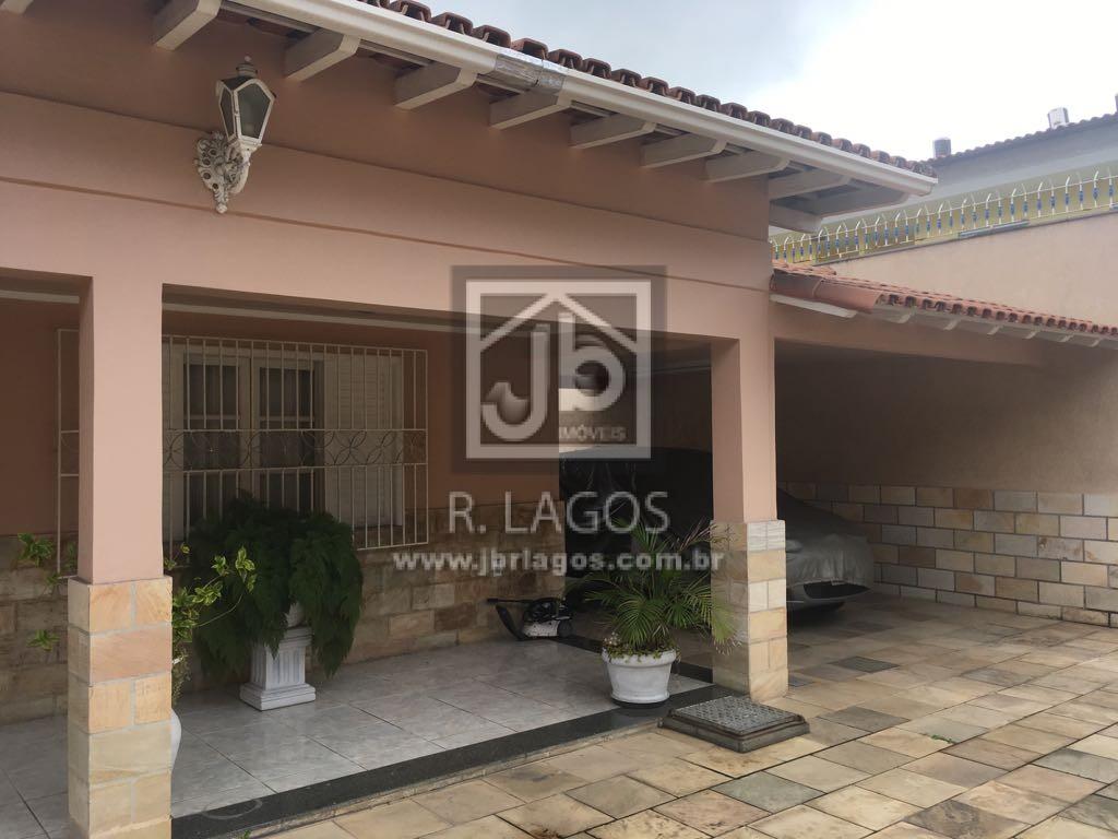 Ampla casa independente residencial ou comercial, perto de amplo comércio, condução e Praia