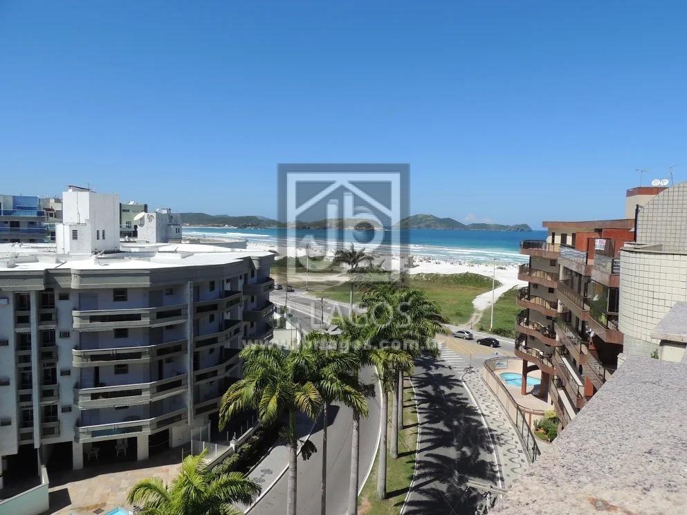 Linda cobertura com panorâmica vista da Praia do Forte, prédio reformado com total infraestrutura