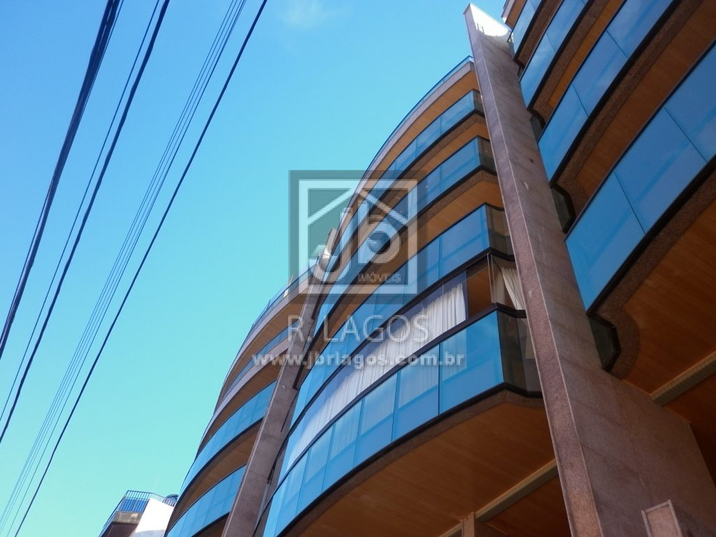 Ótima cobertura, frontal, prédio com total infraestrutura, a pé para a Praia, Centro e amplo comercio