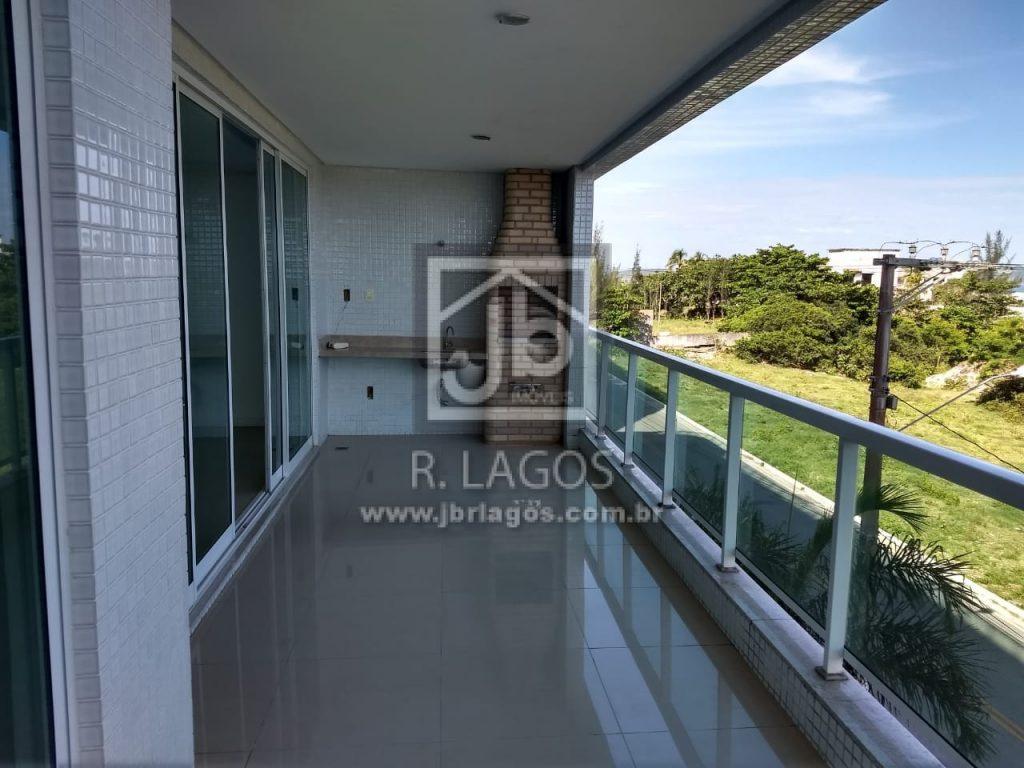 Amplo apartamento com bela vista mar (pé na areia), fino acabamento, prédio com total infraestrutura