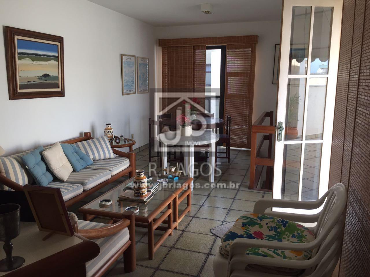 Ótima cobertura, 190 m², a poucas quadras da Praia do Forte (a pé) e amplo comercio