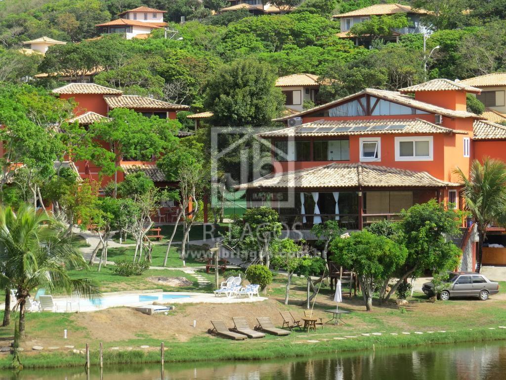 Pousada localizada a 150 metros (2 minutos a pé) da Praia de Ferradura, com 4.474 m², em funcionamento
