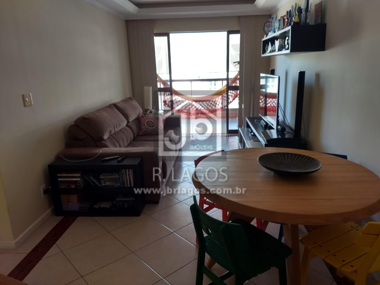 Maravilhoso apartamento a 50 m da Praia do Forte, perto do Centro, amplo comercio e condução na porta