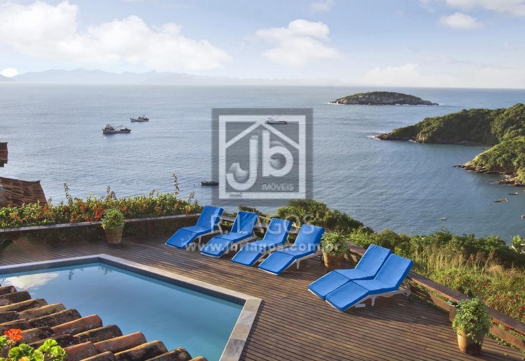 Pousada com 1800 m², a 70 metros sobre a praia de João Fernandes, um mirante panorâmico da área mais nobre de Búzios