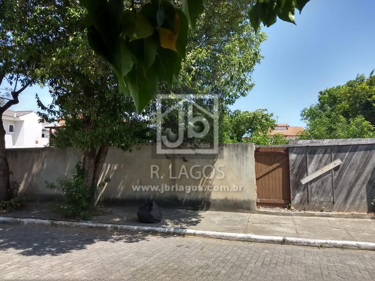 Excelente terreno plano e murado no melhor bairro de Cabo Frio, perto do comercio, Canal, Shopping e Centro