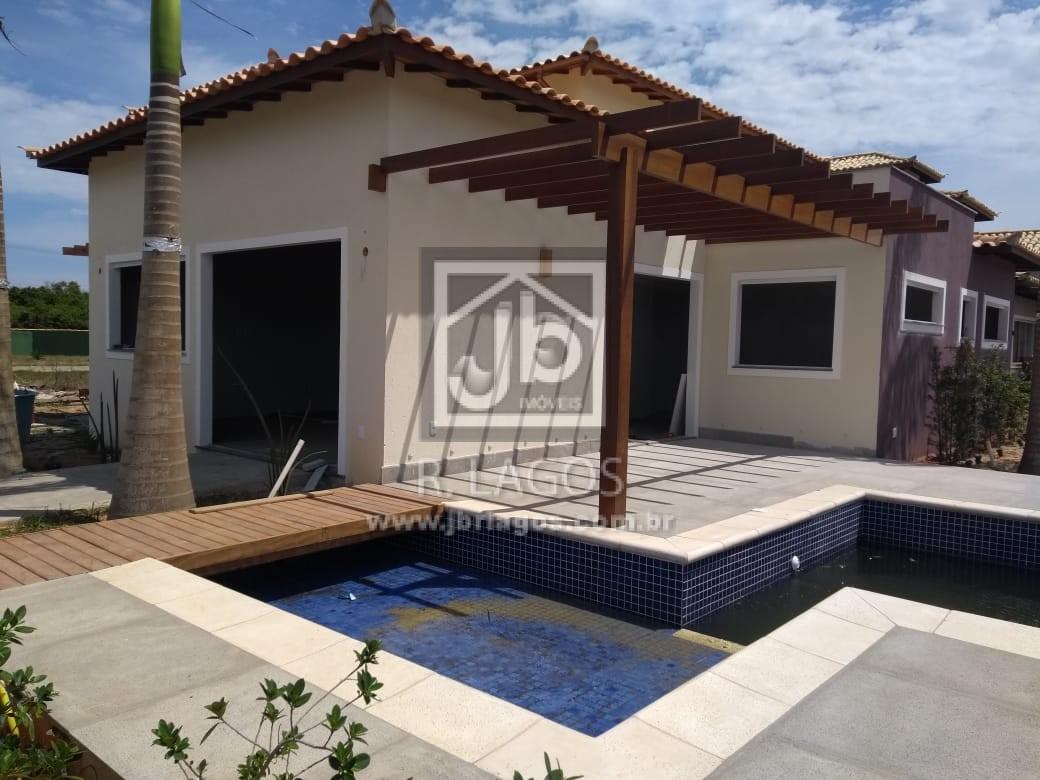 Belíssima casa em fase final de acabamento, perto da Praia, em condomínio com total infraestrutura