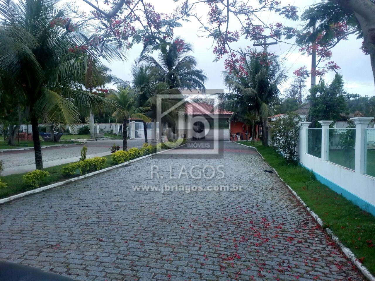 Amplo terreno de 450 m² em condomínio de alto luxo, com total infraestrutura de segurança e lazer