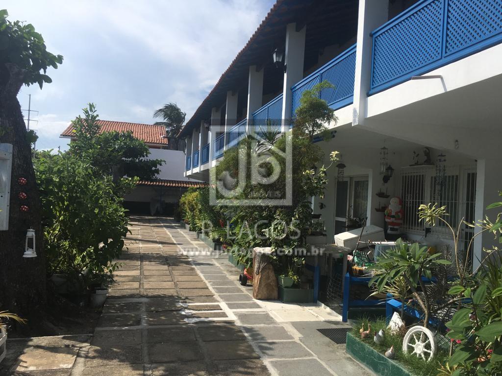 Casa tipo apartamento térrea, bairro nobre de alta valorização, perto do Centro de Cabo frio e Shopping Park Lagos