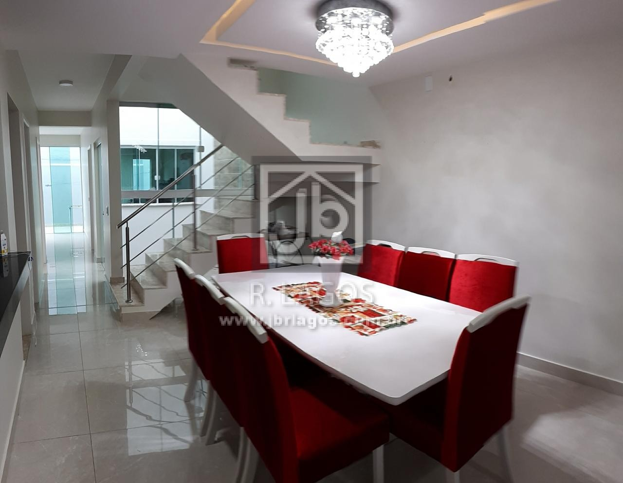 Linda casa independente, ampla, área de lazer, fino acabamento, próxima ao Shopping Park Lagos