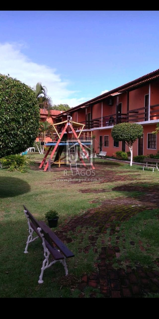 Casa na segurança de um aconchegante condomínio, ótima localização nas Palmeiras em Cabo Frio