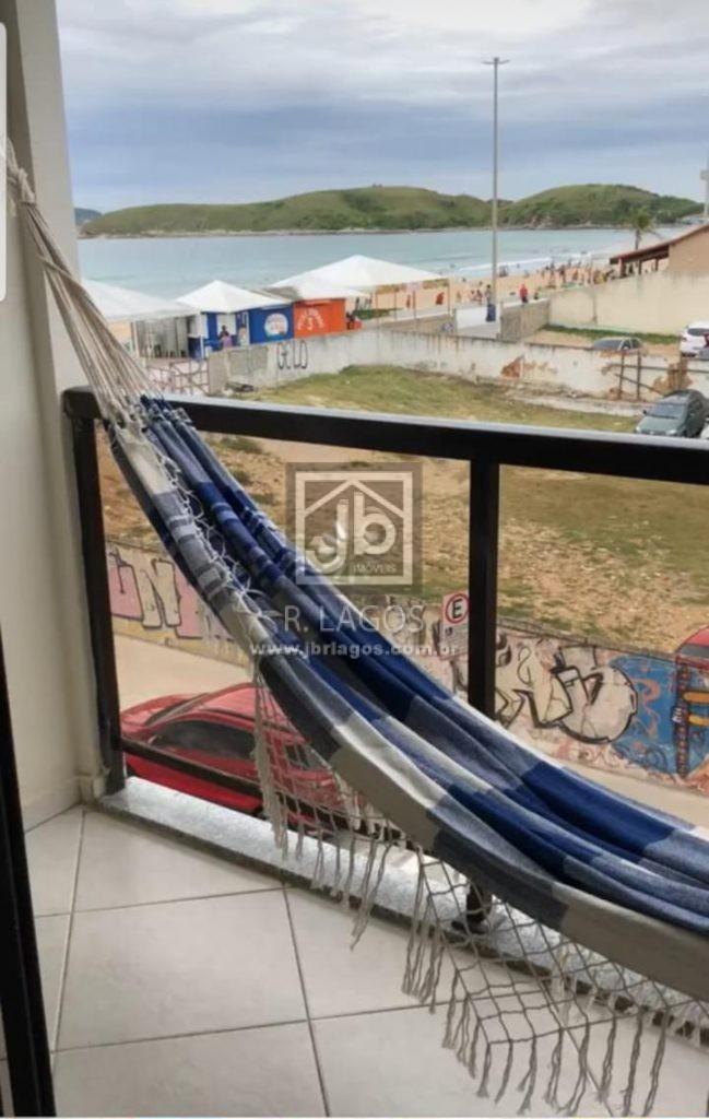 Apartamento pé na areia do Peró, vista mar lateral, móveis planejados