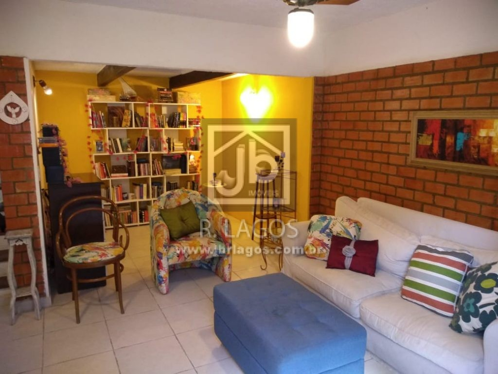 Casa na segurança de um condomínio, 5 minutos do Centro e shopping, bairro nobre e tradicional