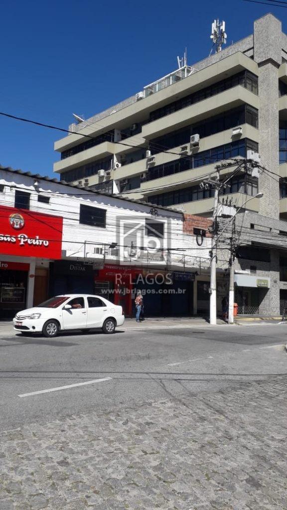 Loja frente de rua, no coração comercial de Cabo Frio, rua de maior fluxo de pedestres e veículos