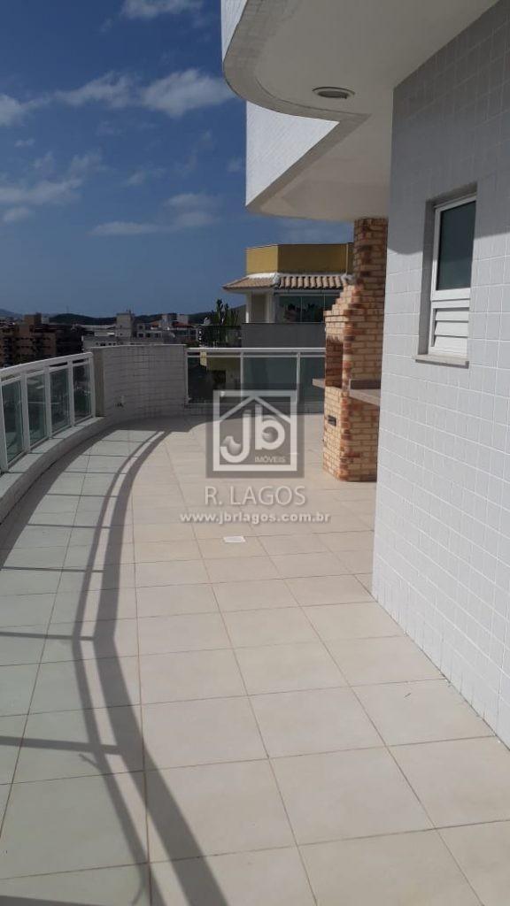 Cobertura frontal de 1º locação de 300 m², 5 quartos, no coração de Cabo Frio, luxuoso condomínio
