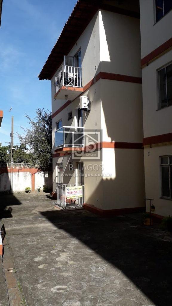 Apartamento térreo, condomínio seguro, próximo a principal via de acesso e comércio